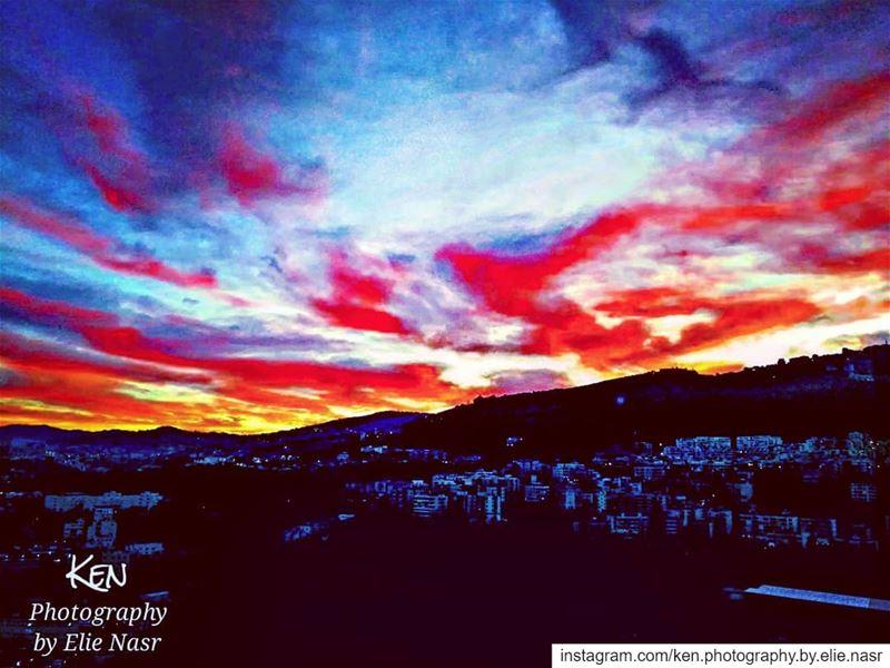 ...يا من احببتك حتى احترق الحب.. أحبيني. نزار_قباني حبك_خارطتي love ... (Fanar, Mont-Liban, Lebanon)