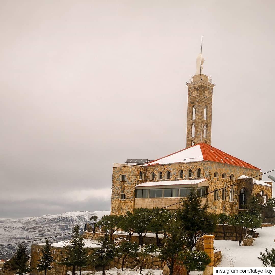 libanon tarchich st_marie snowing lebanonhouses naturelovers Windows... (Tarchich)