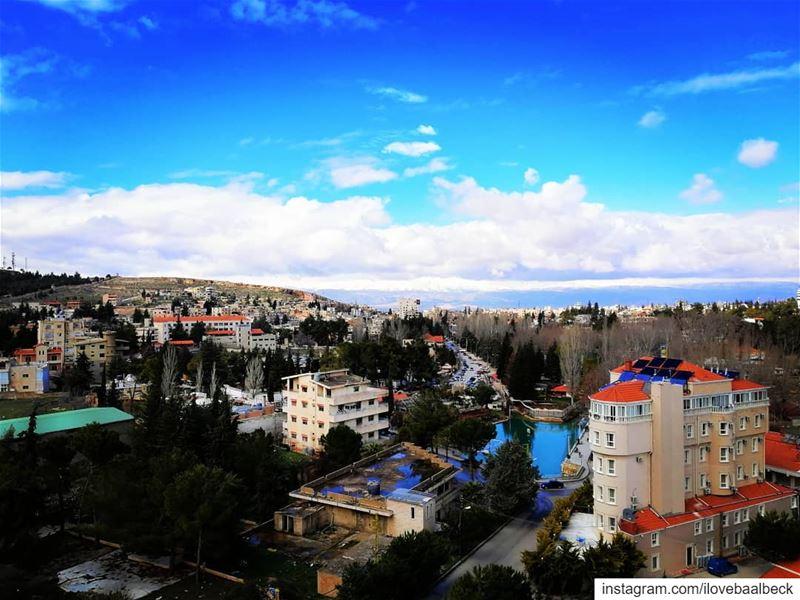 Baalbeck IloveBaalbeck Lebanon livelovebaalbeck livelovelebanon snow... (Baalbek, Lebanon)