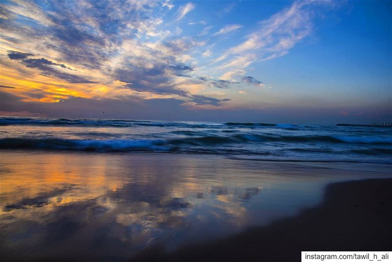 ⛅️ sunset sunsetlovers beach reflection beautiful picoftheday ... (Ramlat Al Bayda', Beyrouth, Lebanon)