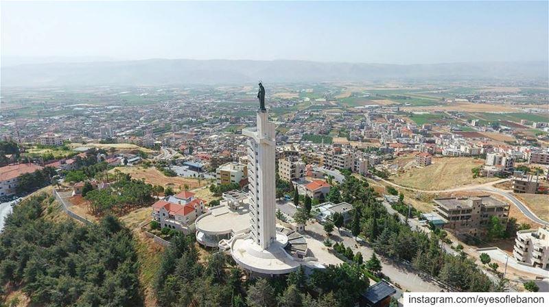 صباح الخير من زحلة Credits to @peliekorkomaz 😍 lebanon zahle morning ... (Zahlé, Lebanon)