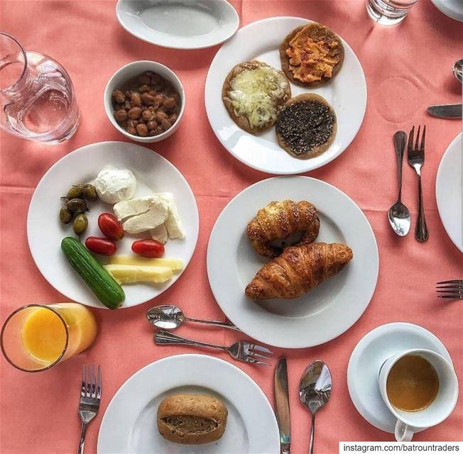 batroun laubergedelamer البترون_سفرة hotel boutiquehotel breakfast ... (L'Auberge de la Mer)