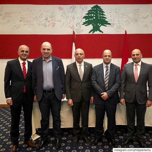 لقاء مميز في دبي مع وزير الزراعة اللبنانية د.حسن اللقيس ومع الصديق العزيز م (Dubai, United Arab Emirates)