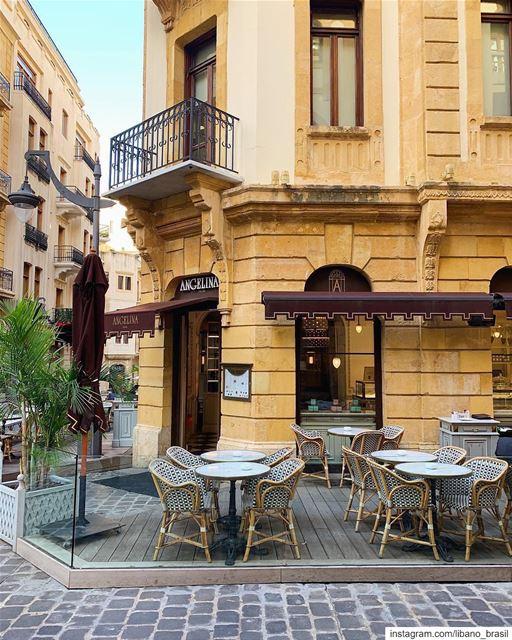 🇱🇧🇧🇷 Bom dia, Paris do Oriente Médio! Foto de @michtawil.⠀⠀⠀⠀⠀⠀⠀⠀⠀... (Downtown Beirut)