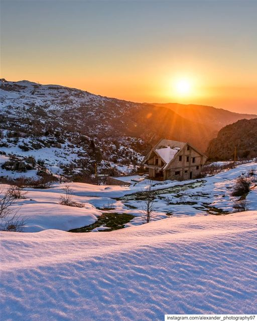 The white blanket - Golden hour at Mount Sannine heights. The sunset light... (Sannin, Mont-Liban, Lebanon)