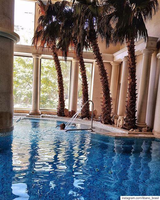 Fim de semana chegando! Que tal relaxar no spa do hotel @phoeniciabeirut?... (Phoenicia Hotel Beirut)