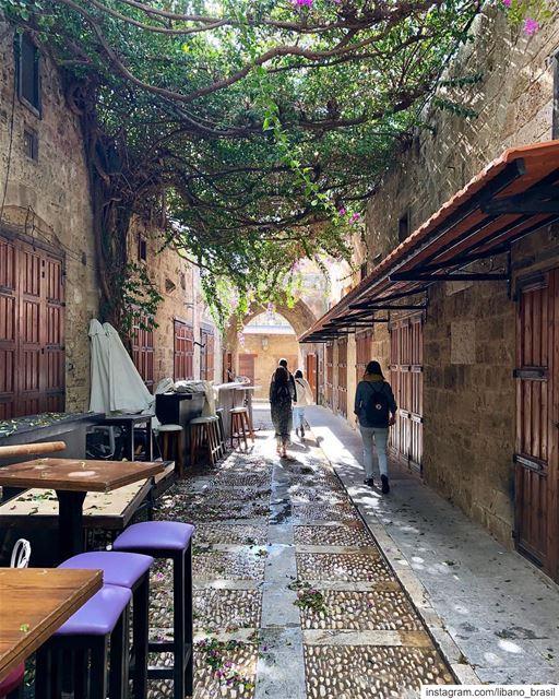 🇱🇧🇧🇷 Explorando Byblos pela manhã. Sempre um agradável passeio. Foto... (Byblos, Lebanon)