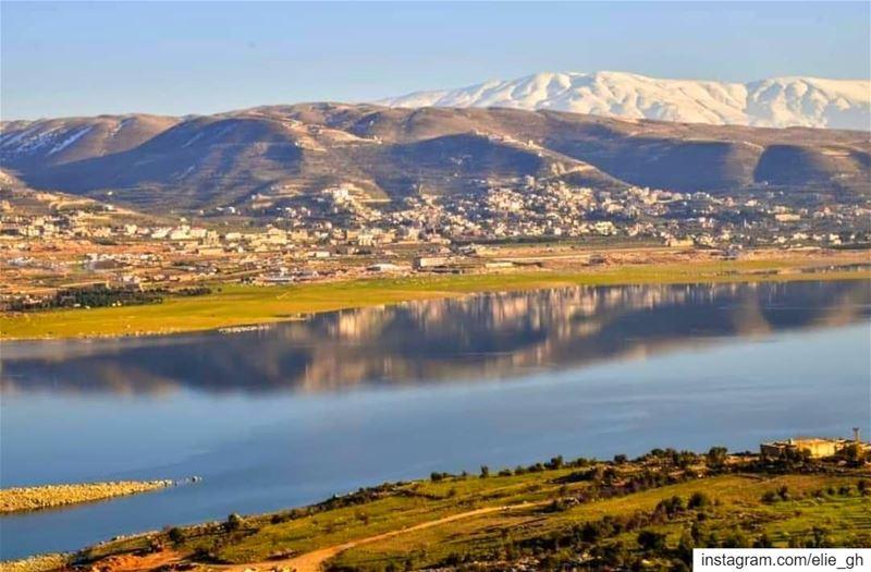 يا جبل البعيد .. خلفك حبايبنا .. ________________________________________... (Qaraaoun, Béqaa, Lebanon)