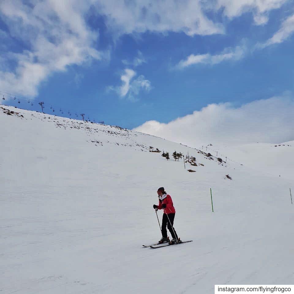 Enjoying skiing and the beautiful mountains!..... flyingfrog ... (Mzaar Ski Resort Kfardebian)