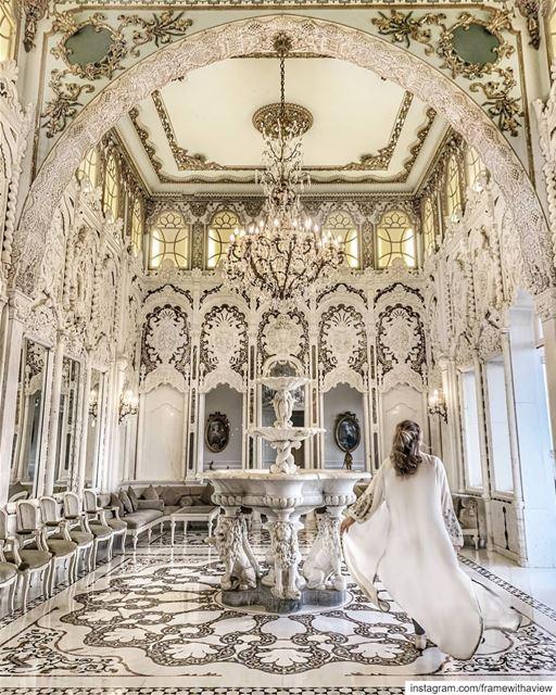 ~ f l o a t i n g ~..This ancient breathtaking hall, with its stunning... (Saïda, Al Janub, Lebanon)