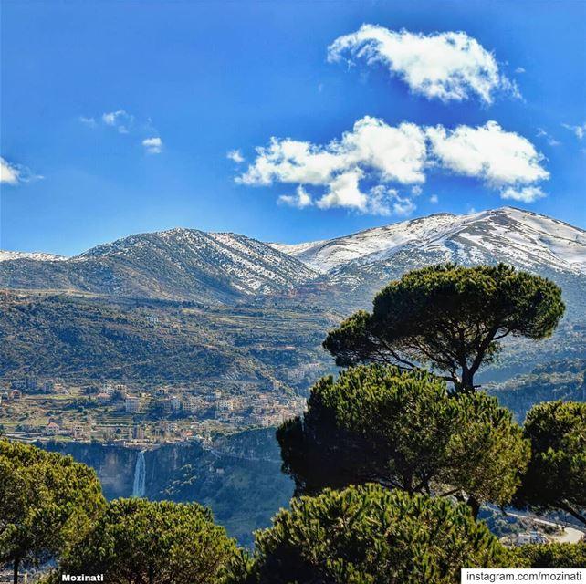 وطني يا جبل الغيم الأزرق .. وطني يا قمر الندي و الزنبقيا بيوت البيحبونا يا (Jezzîne, Al Janub, Lebanon)