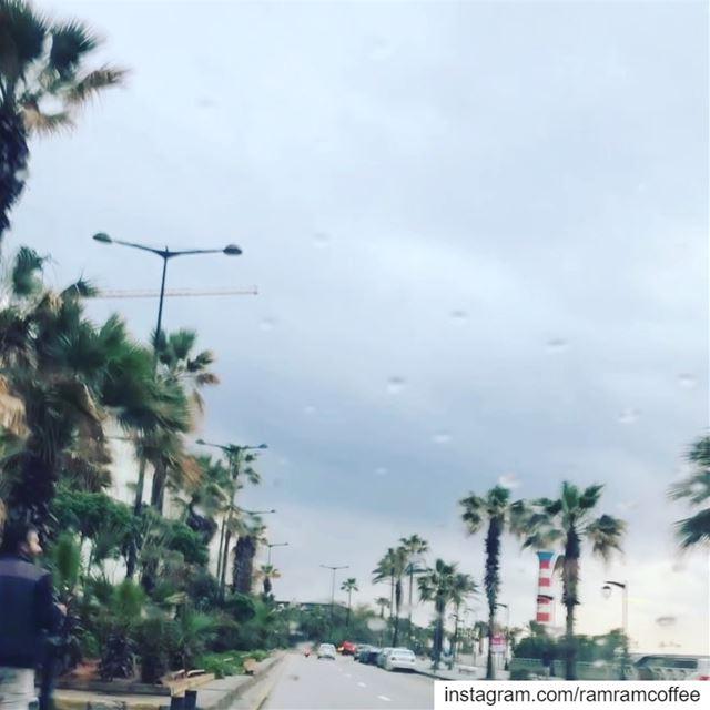 خدني مشوار ع روشة ع منارة بدي بيروت حاكيها حارة بحارة........ (Ra'S Bayrut, Beyrouth, Lebanon)