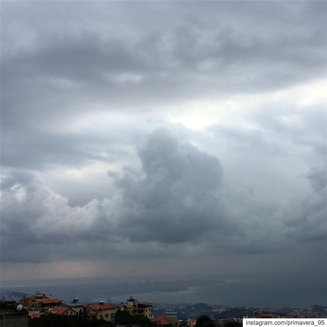 clouds  view  rain  capture  city  sea  beautiful  instalike  instapic ... (Kasrouane)