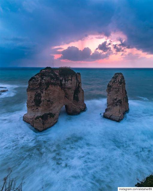🌅.... sunset sunsetpics landscape landscapephotography photographer... (Beirut- Al Rawsheh)