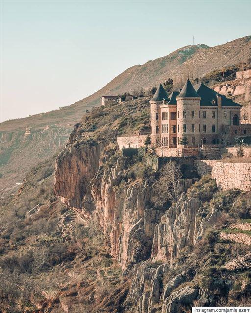 Kesrouan residents will correct my location Tag from Faraya to... (Faraya, Mont-Liban, Lebanon)