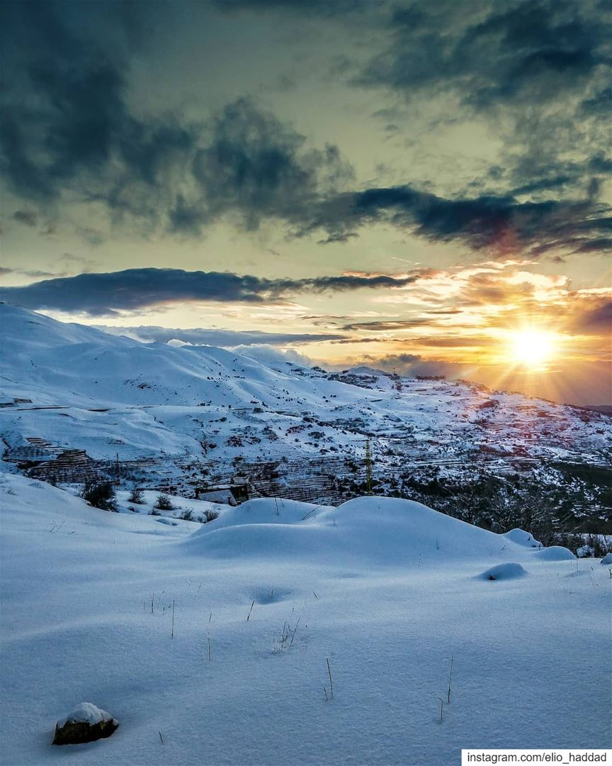 Sit back, relax, and enjoy the view ❄️🇱🇧 Lebanon Sun Sunset Snow ... (Sannin, Mont-Liban, Lebanon)