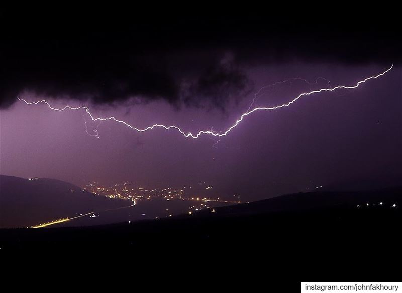 Lightening up your... (Marjayoûn, Al Janub, Lebanon)
