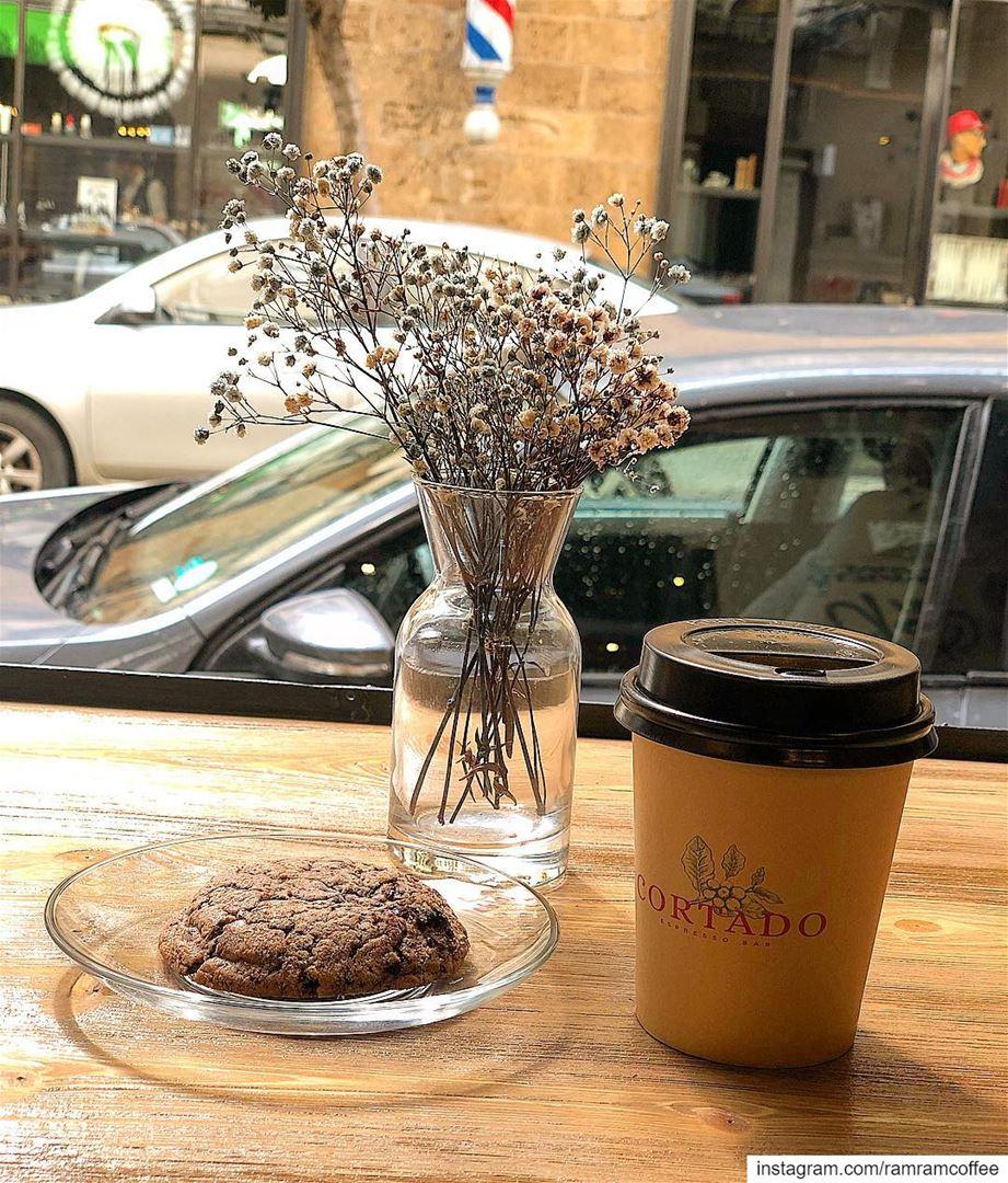 ولي قلب بالقهوة قد تعلق. ... ramramcoffee turkishcoffee ... (Cortado Espresso Bar)