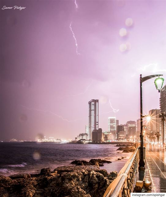 Thunder and few drops of rain...... nightout  Lebanon  Beirut ... (Manara Beyrouth)