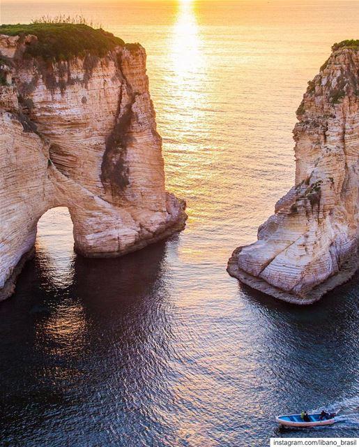 🇱🇧🇧🇷 Cartão postal que não precisa de legenda. ⠀⠀⠀⠀⠀⠀⠀⠀⠀⠀⠀⠀⠀⠀⠀⠀⠀⠀ Líb (Beirut, Lebanon)