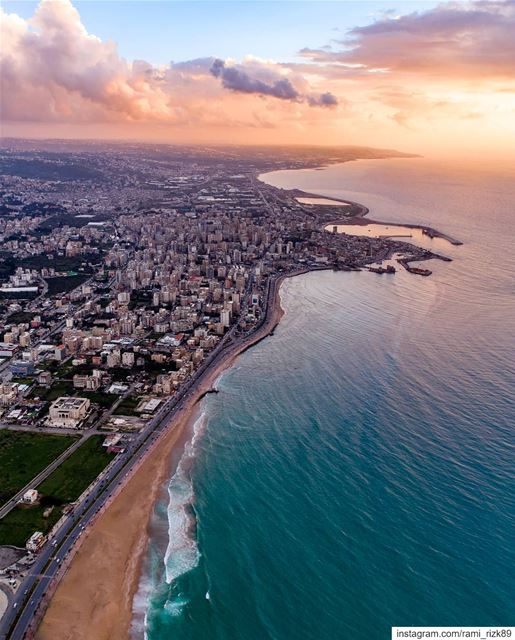 Magical sunset 🌇... Saida south lebanon dji djiglobal dronedaily... (Saïda, Al Janub, Lebanon)