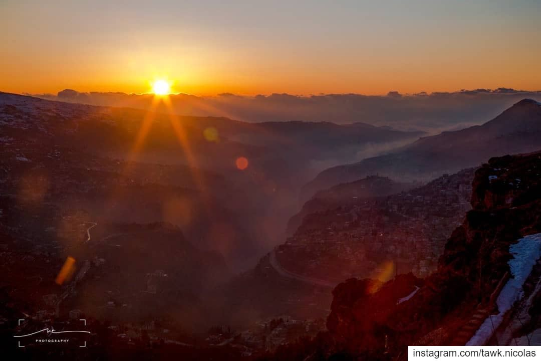 I grew up looking at a similar picture of Bcharreh where the fog is coming... (Bcharreh, Liban-Nord, Lebanon)