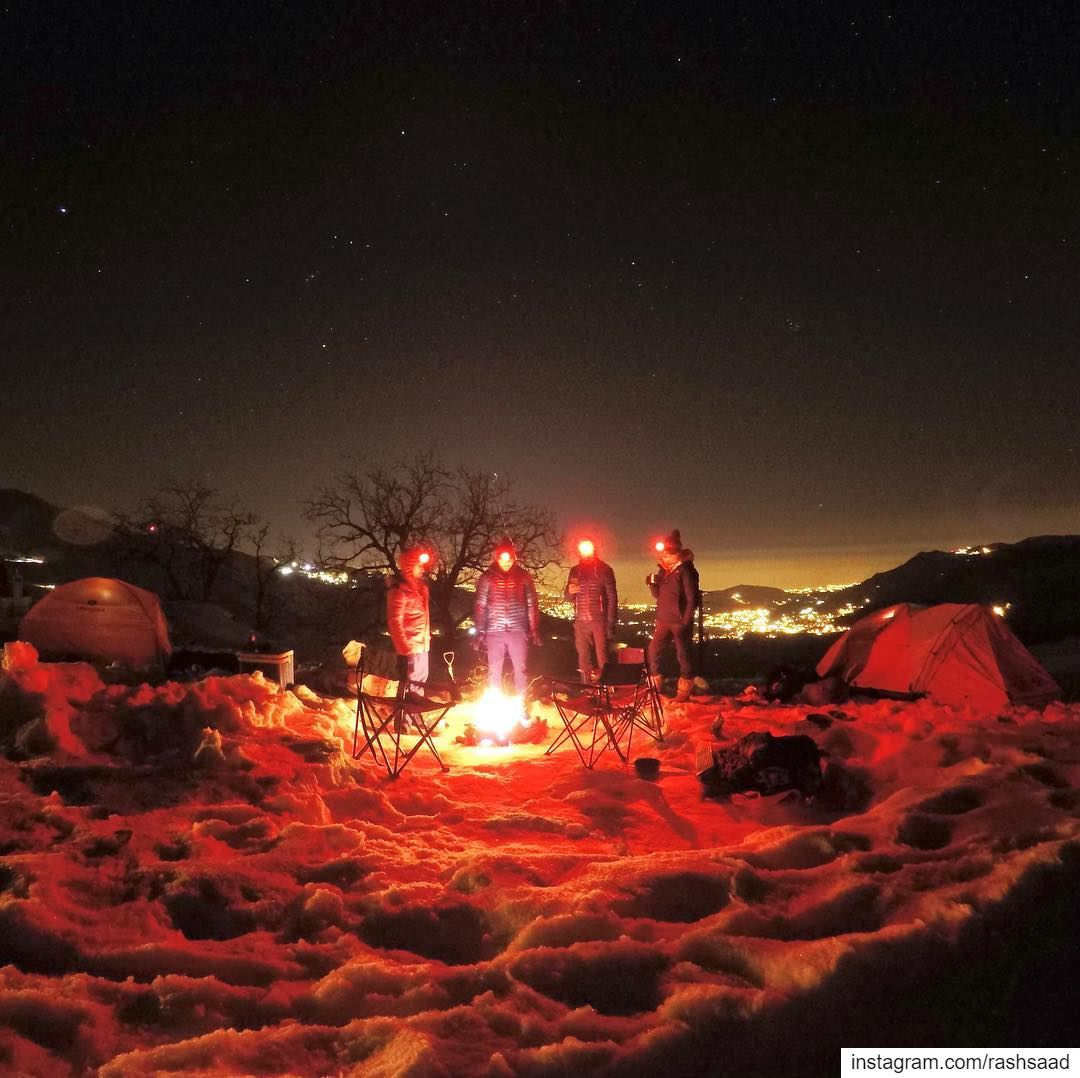 Cold starry nights and warm fires 🏔❄️⛺️🔥 .... camping snow sannine... (Mount Sannine)