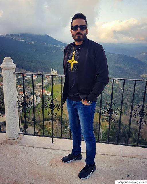 Soyez une personne qui encourage les autres. Le monde est déjà plein de... (Lebanon)