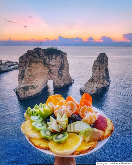 Fresh fruits anyone? Nothing in the world beats the taste of Lebanon :) 🍇� (Beirut, Lebanon)
