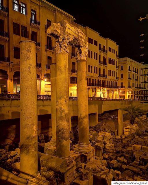 🇱🇧🇧🇷 A história nunca se apaga. Boa noite, Beirute! Foto de @paradisaic (Downtown Beirut)