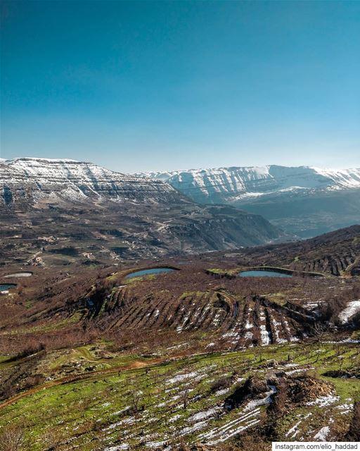 Shotononeplus OnePlus 📱 LEBANON 🇱🇧 Winter Mountains Mountain ... (Akoura, Mont-Liban, Lebanon)