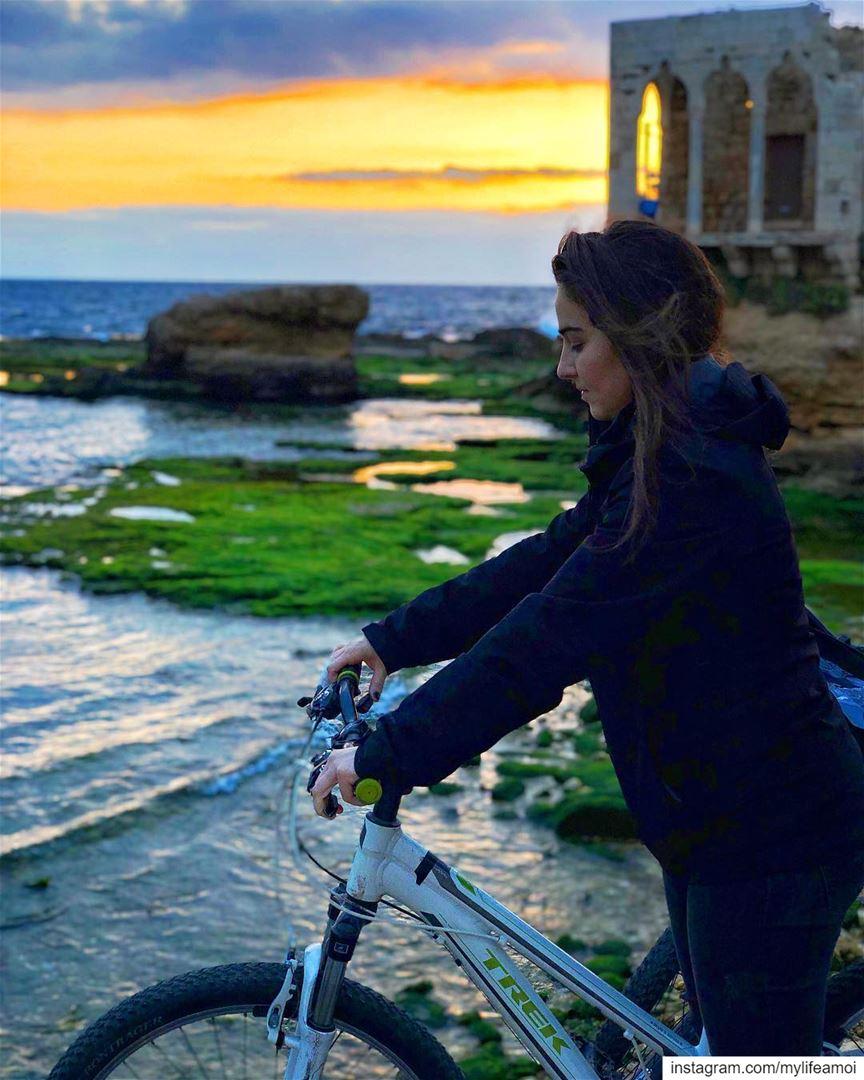 Lebanese sunset is still my favourite colour ✨••••• MyLifeAMoi ... (Batroûn)