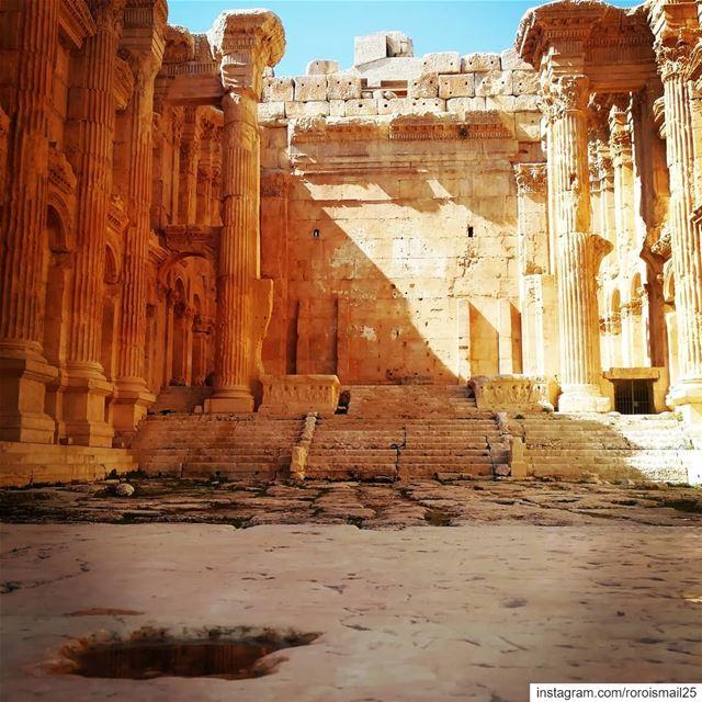 ancient roman baalbeckcastle baalbek lebanon photographers... (Baalbek , Roman Temple , Lebanon)