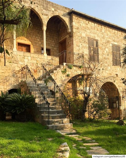 Old places have soul ✨  architecture  oldarchitecture  oldhouse ... (Byblos, Lebanon)