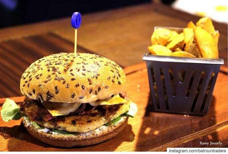 batroun restaurants jumanji burger foodies foodinlebanon foodlover ... (Jumanji rest)