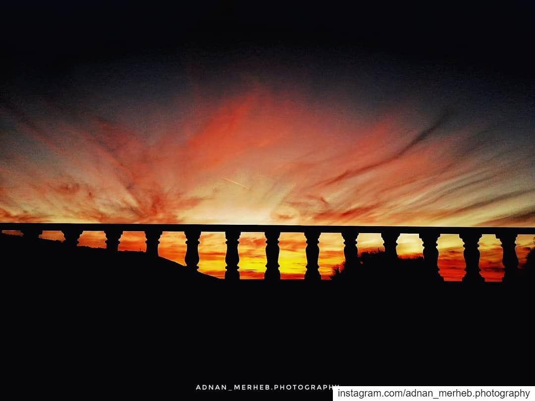Sunset 🌇 😍 sun sunrise sunshine sky_collection twilightscapes ... (Bardé, Liban-Nord, Lebanon)