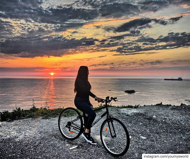 A perfect scene for a happy soul 🌅🚴‍♀️ (Byblos, Lebanon)