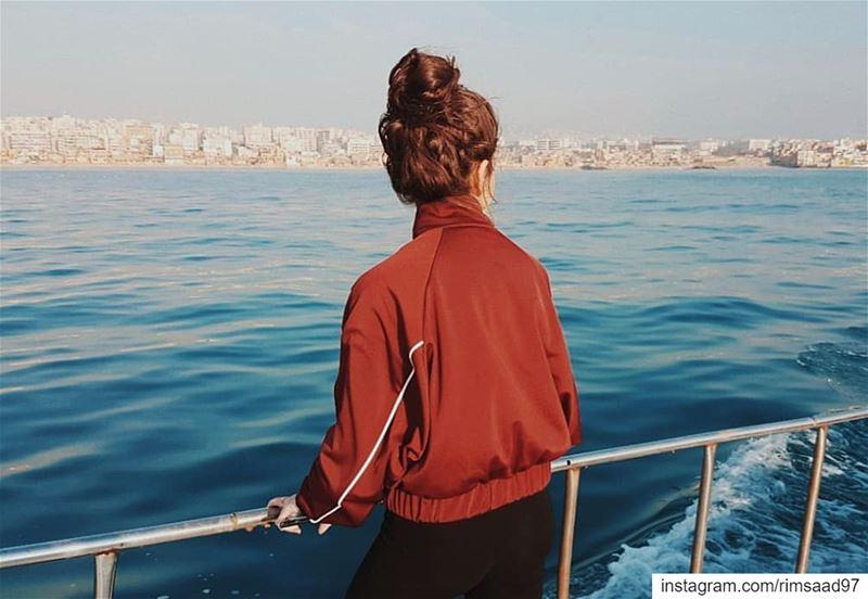 | Cold shoulder | 🌊••••••• lebanon beirut filmmaker journalism... (Beirut, Lebanon)