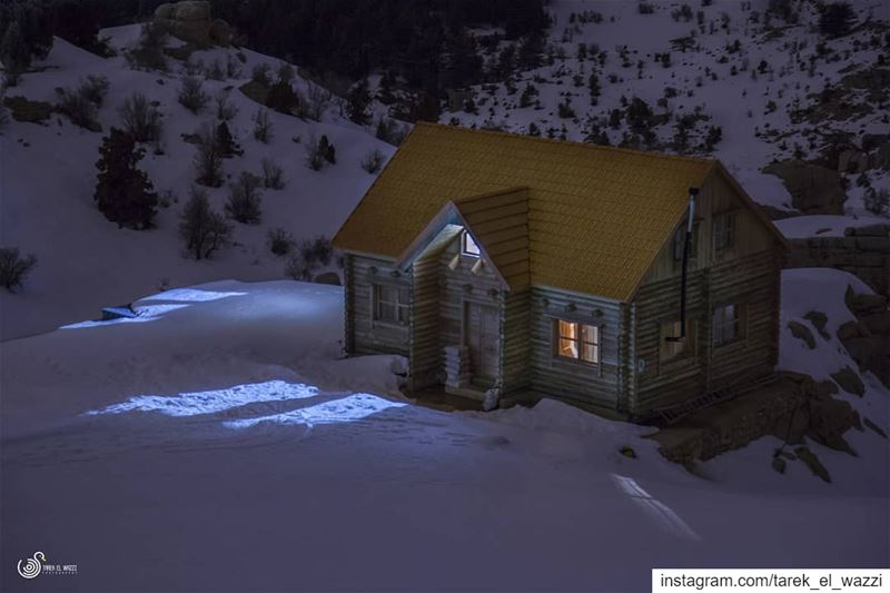 Mountain House. snow lebanon peacefulness canon6d nightphotography ...