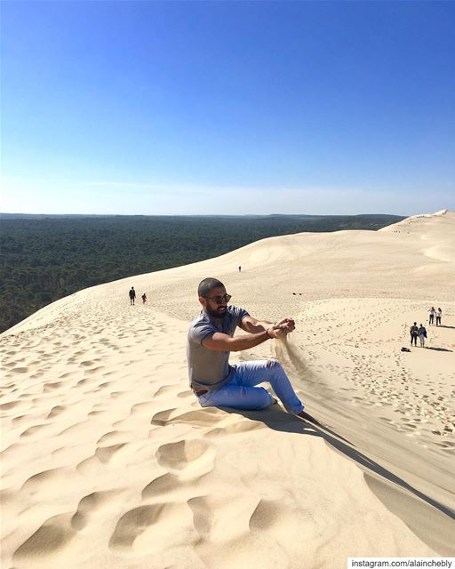 A dune stuck between the forest and the ocean 💚 ... (Dune du Pilat)