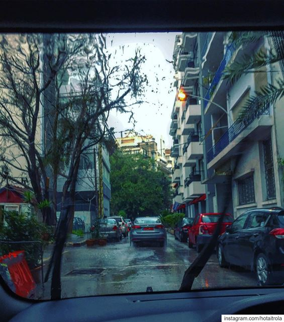 Rainy morning in Beirut 💧☔️💦 livelovebeirut ❄️🌊❄️ (Beirut, Lebanon)