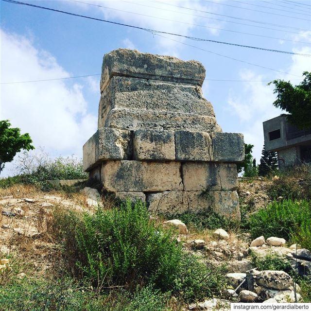 قانا qana hannaouiye حيرام kingsolomon abibaal tyre storiesofsour... (Hanâouây, Al Janub, Lebanon)