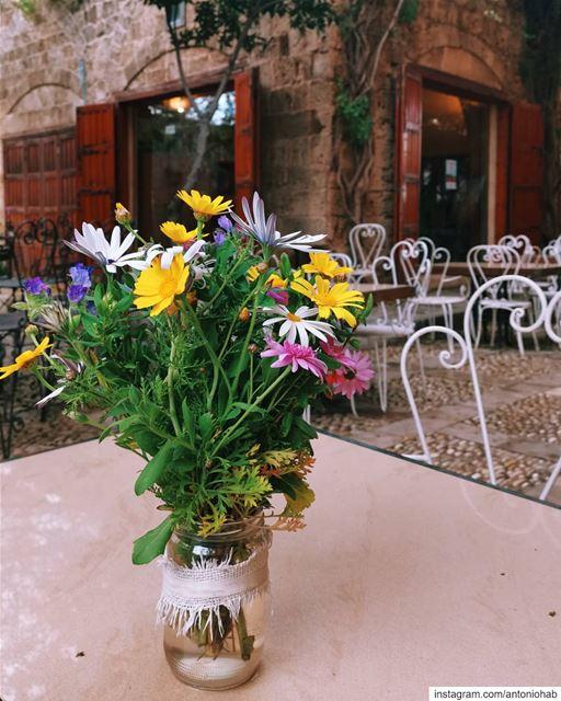 Spring in souk Byblos 💐 (Byblos, Lebanon)