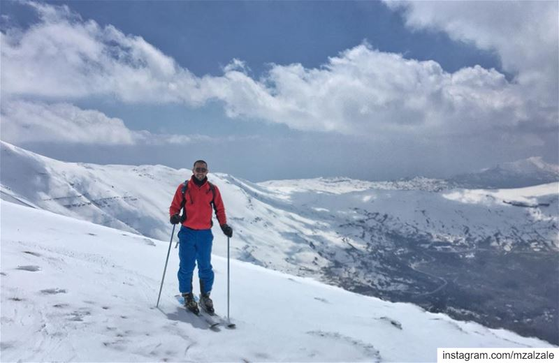Hope your day at the office is going well. aLebaneseSpring ... (Faraya, Mont-Liban, Lebanon)