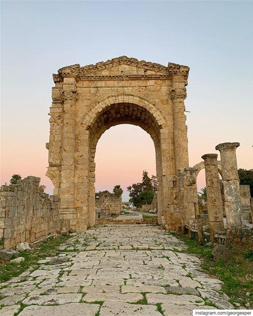 Triumphal Arch in Tyre • Lebanon 🇱🇧..... livelovebeirut ... (Tyre, Lebanon)