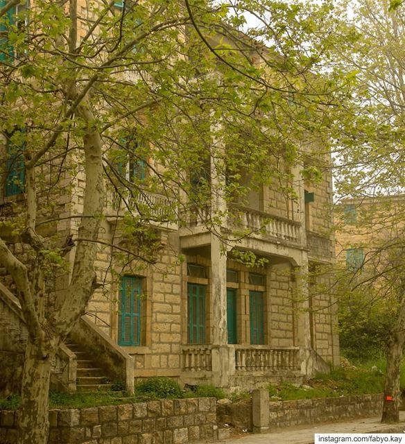 _________Sawfar ________Lebanon _____ **** friday lebanon sawfar... (Sawfar, Mont-Liban, Lebanon)
