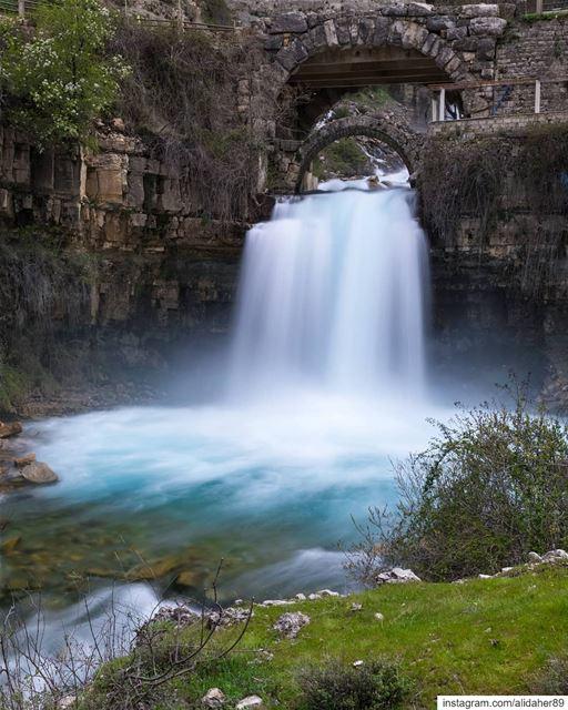 Power of nature 🏞....... landscapephotography naturephotography... (Afka, Mont-Liban, Lebanon)