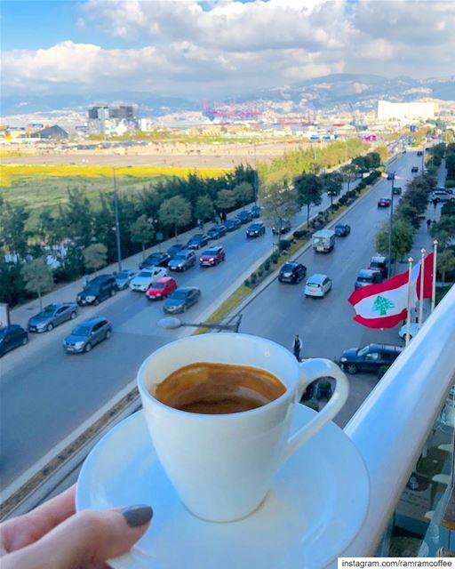 بقلبي انت لو بيننا مليون مدينة .... 🇱🇧☕️🇱🇧☕️🇱🇧☕️🇱🇧....... (Four Seasons Hotel Beirut)