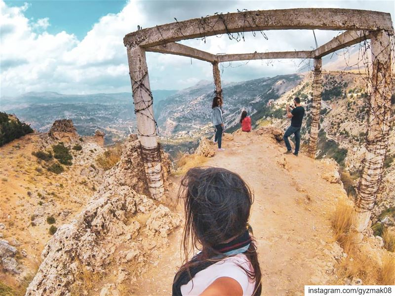 Let's roam the planet, climb mountains, and enjoy the view at the edge. ... (Lebanon)