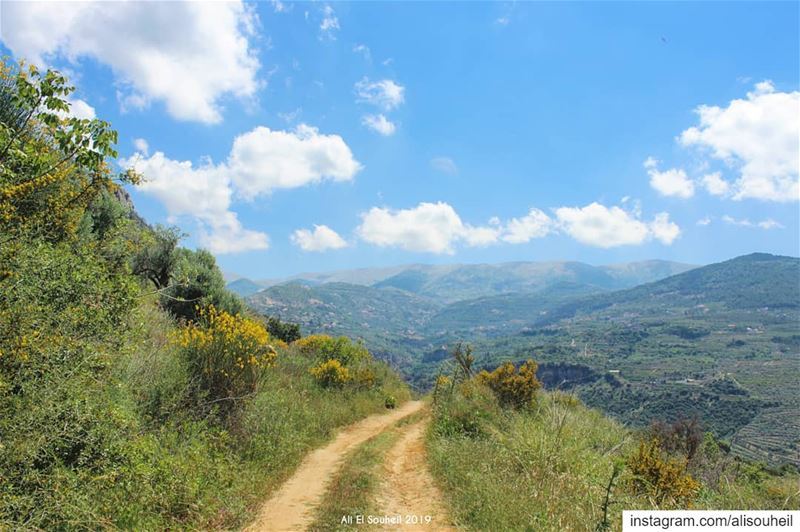 tb besri chouf mountlebanon sky mountains blue spring colorful ... (Besri, Chouf)